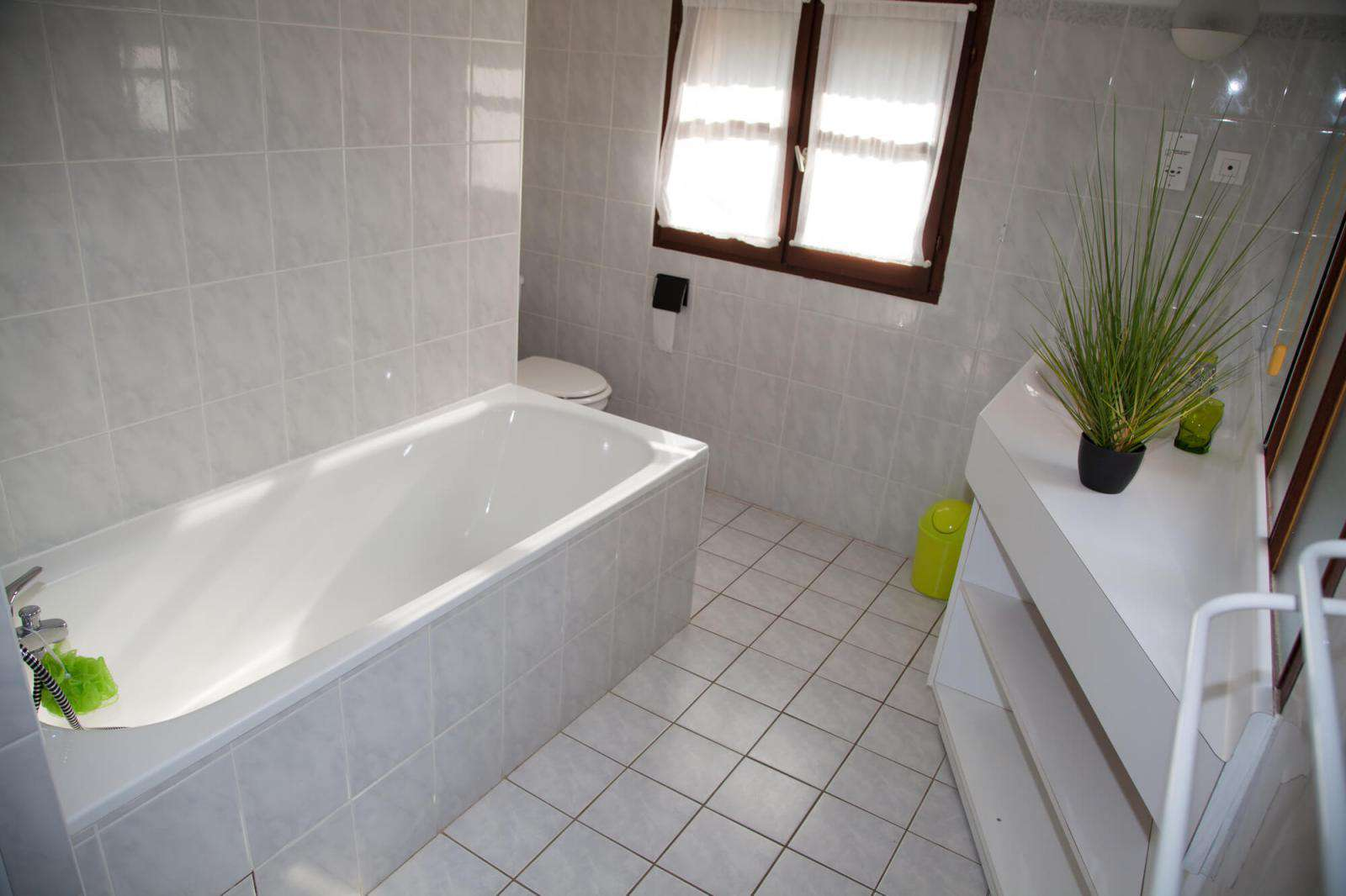 Refinished bathtub and tile