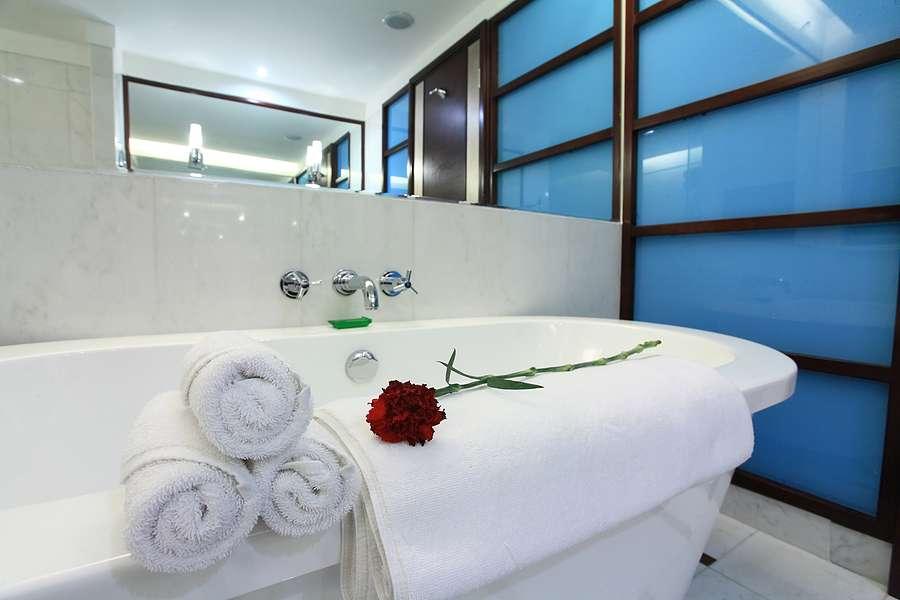 Bathtub Refinishing | Tile Refinishing | Like New Refinishing ...